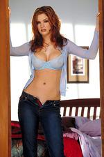 Ashley Summers 01