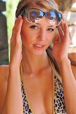 Bikini Closeups 01