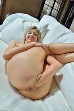 Amy Big Penetration 16