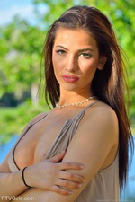 Olivia Frisky Sunset 00