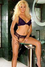 Amanda Rose 13