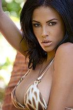 Kylie Johnson 00