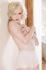 Carissa White 01