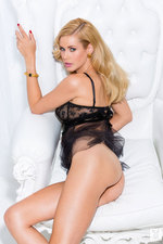 Kennedy Summers 03