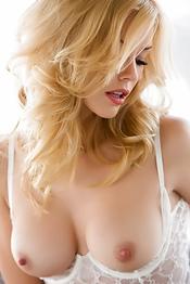Steamy Blonde Temptress