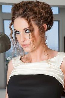 Glamour Aj Bailey